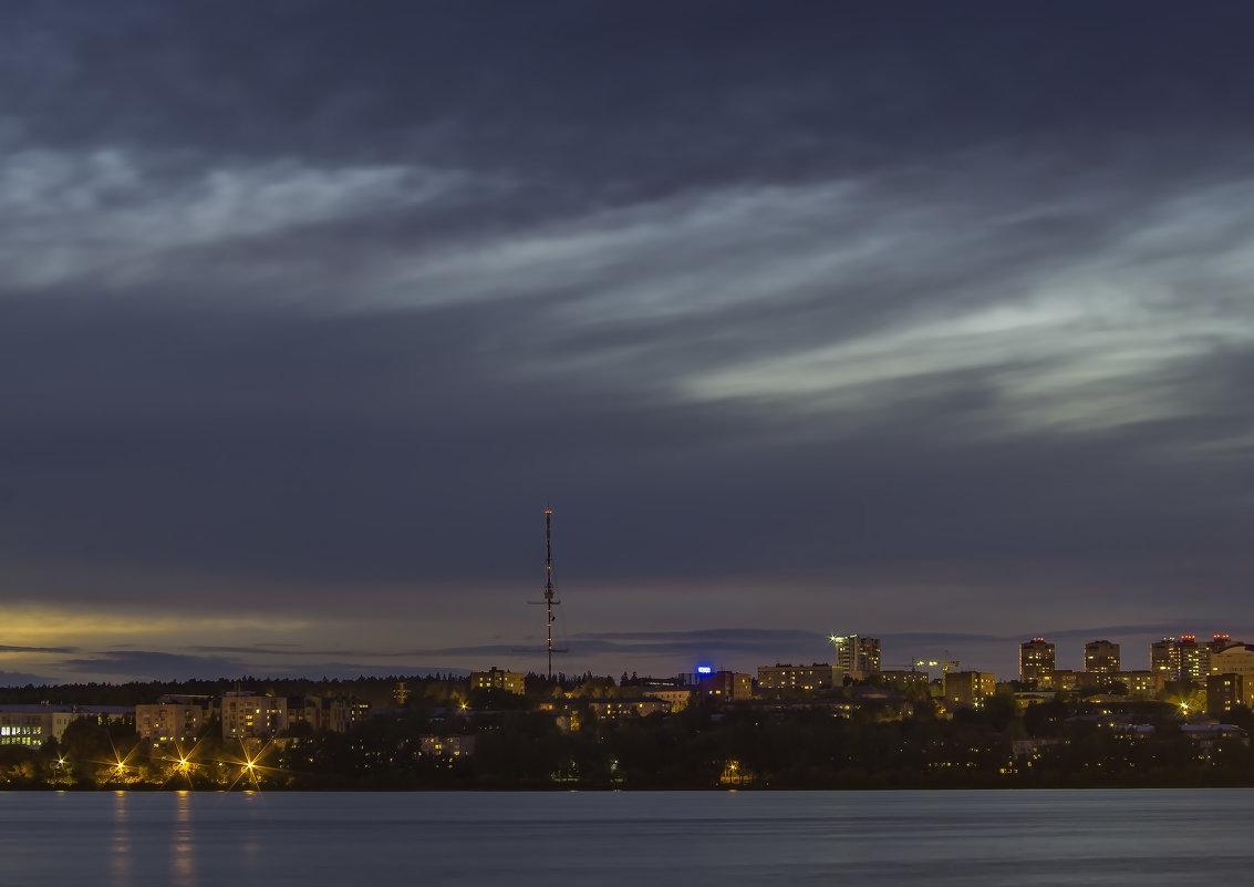 Хмурое небо на закате дня. Ижевск – город в котором я живу! - Владимир Максимов