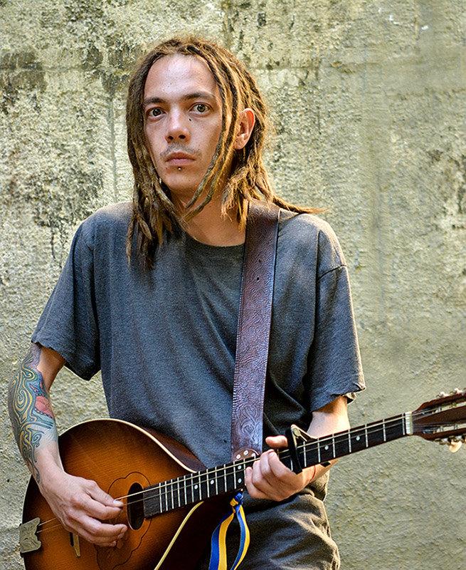 Уличный музыкант - john dow