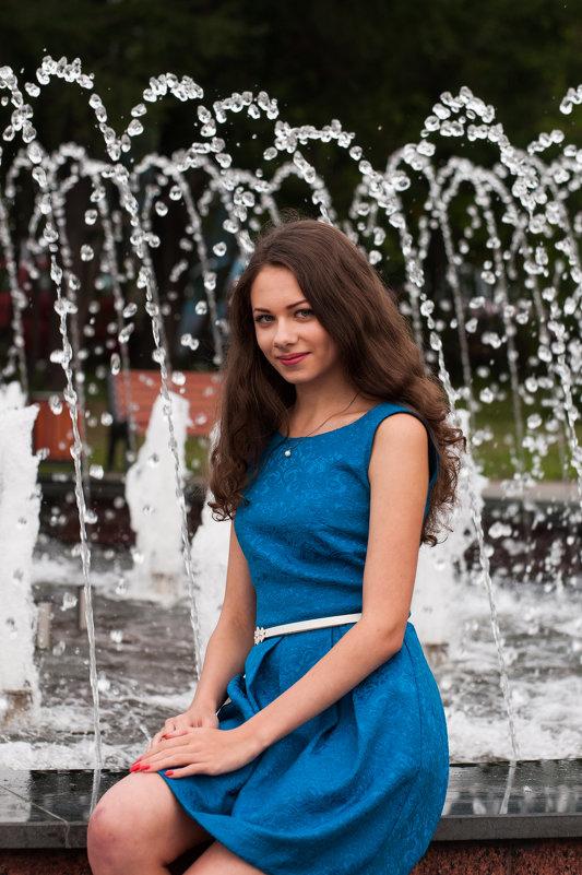 У фонтана - Sergey