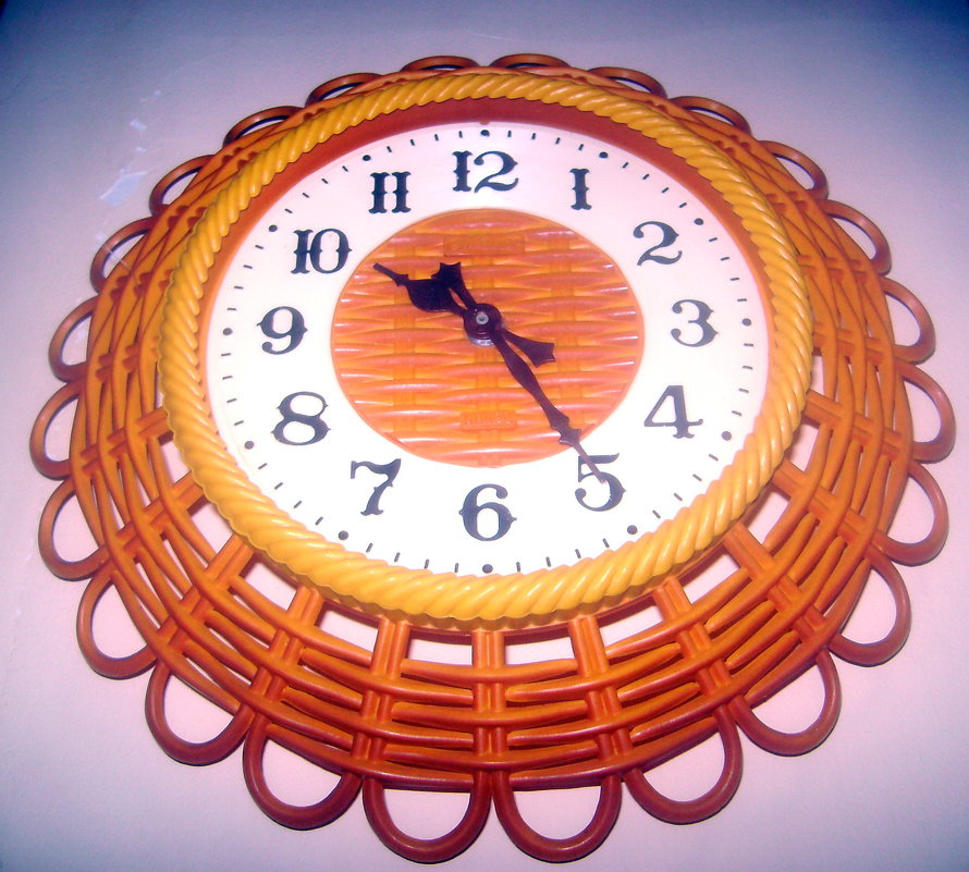Электронные настенные часы - Tarka