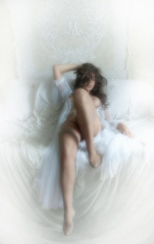 На диване - Иван Миронов