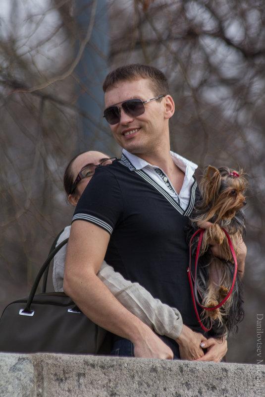 Любовь Это- доверить не только себя но и сабачку - Михаил Даниловцев