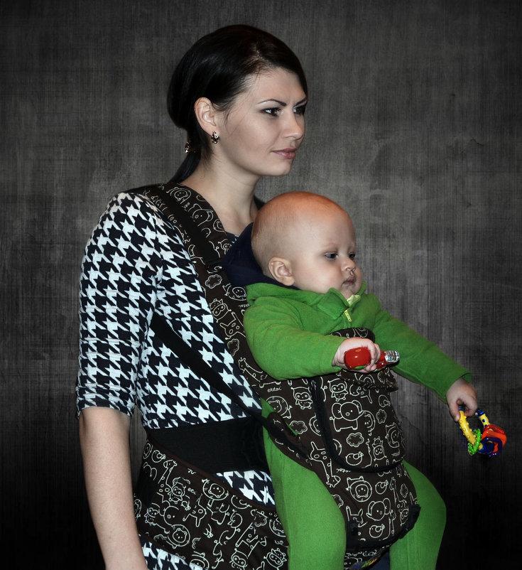 Молодая мама с ребенком - Клара