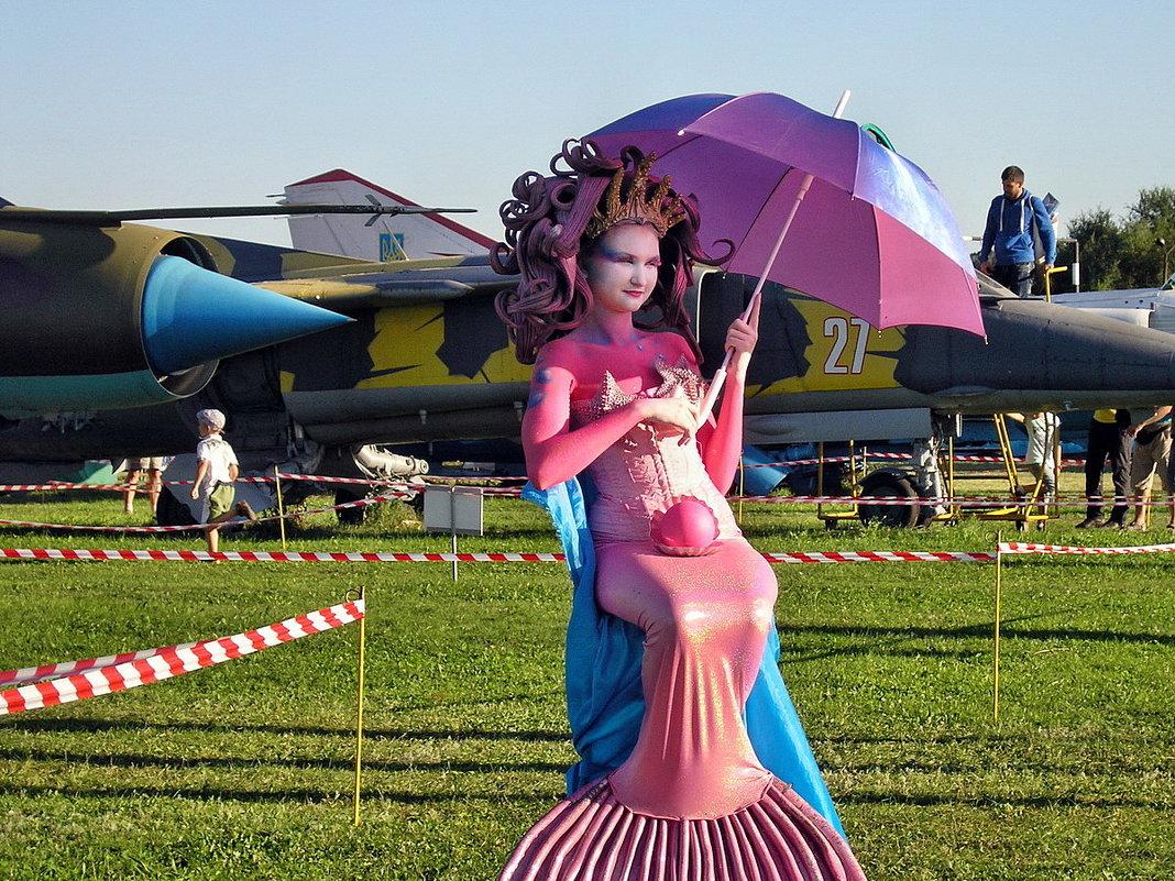 Авиафестиваль в Коротиче. И самолёты там русалки охраняют... - Александр Резуненко