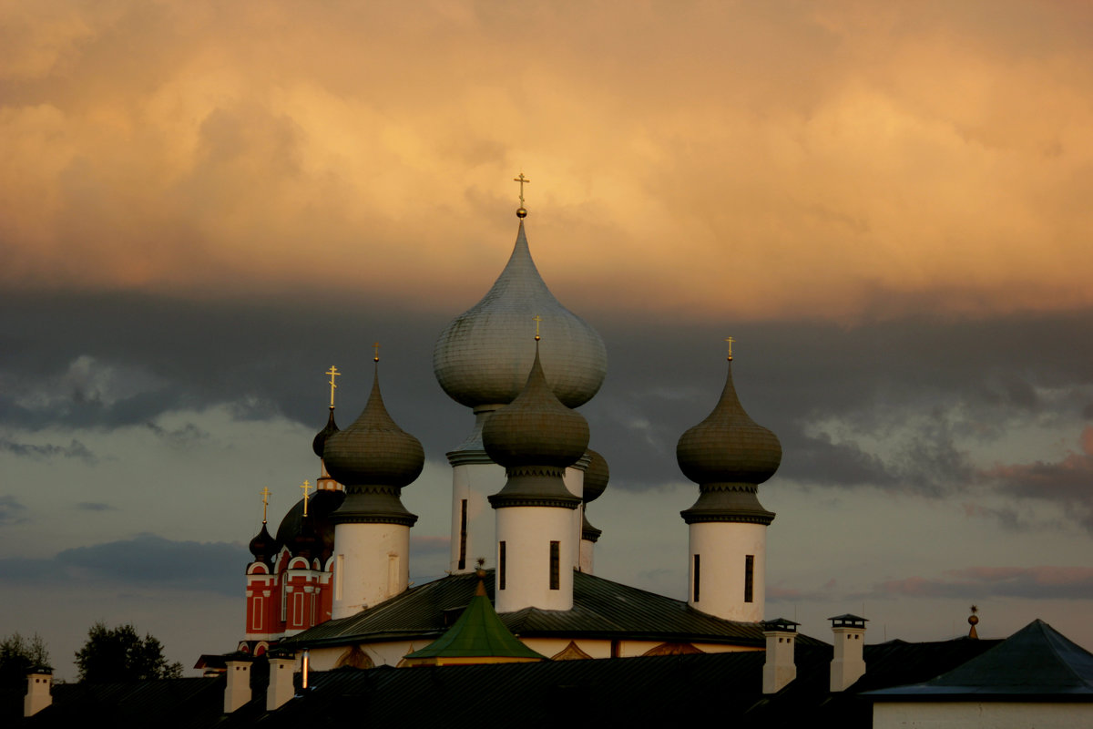 купола на закате - Сергей Кочнев