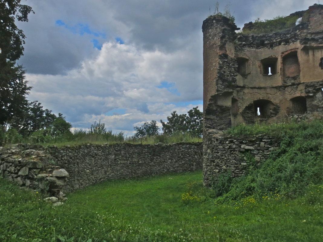 руины старого замка,Теплице, Чехия - Елена