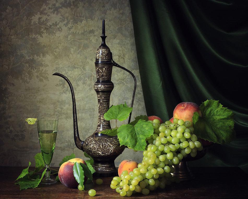 Натюрморт с вином и фруктами - Ирина Приходько
