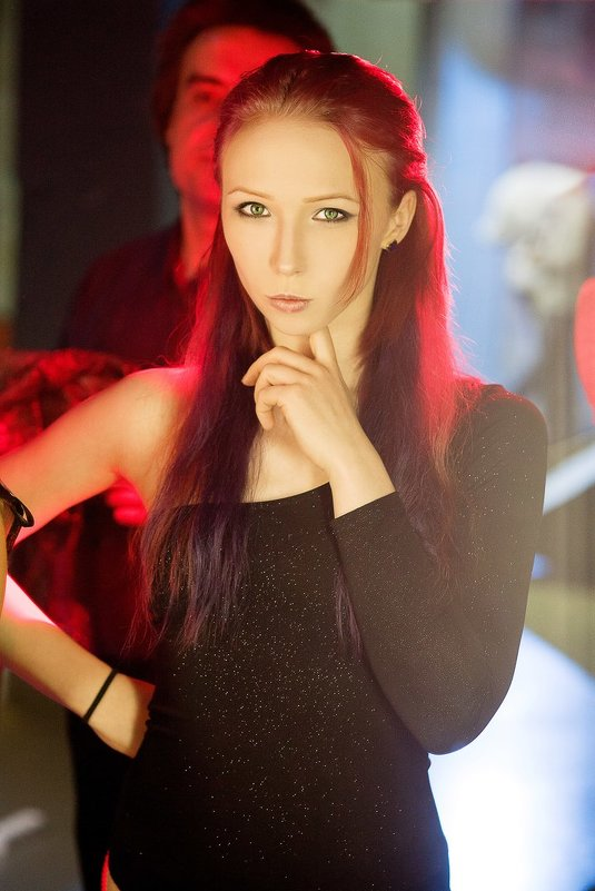 Backstage - Таша Хофман