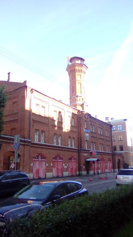 Здание 19 века на Петроградской стороне. (Санкт-Петербург). - Светлана Калмыкова