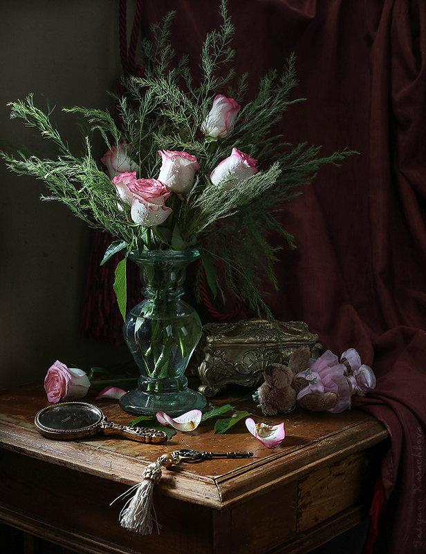 Розовые розы и Розочка - Карачкова Татьяна