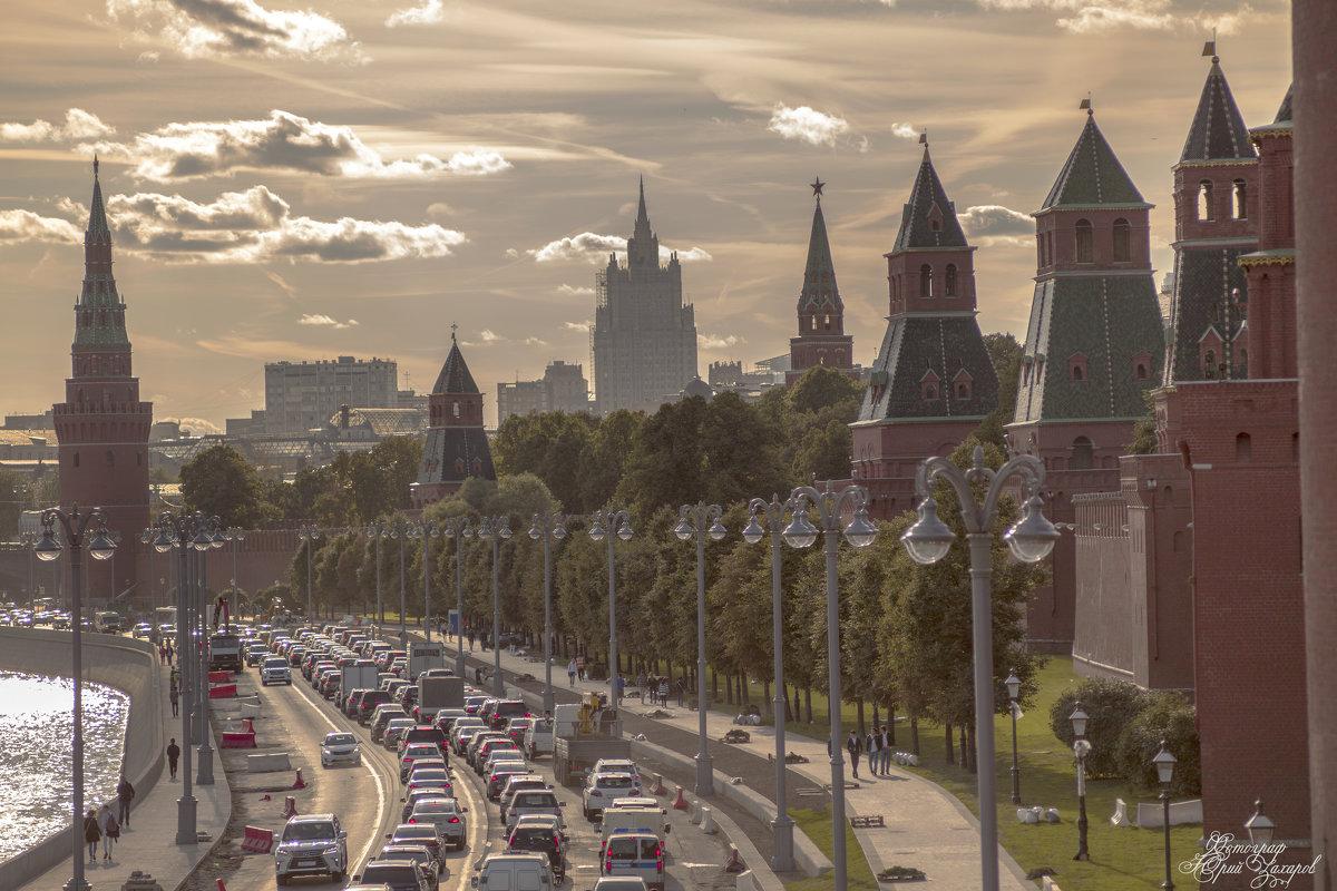 Набережная - Юрий Захаров