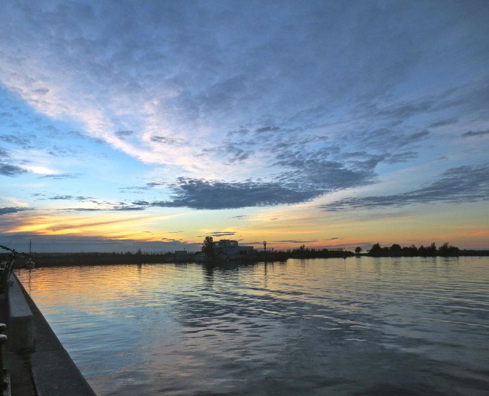 закат в Стрельне - Елена
