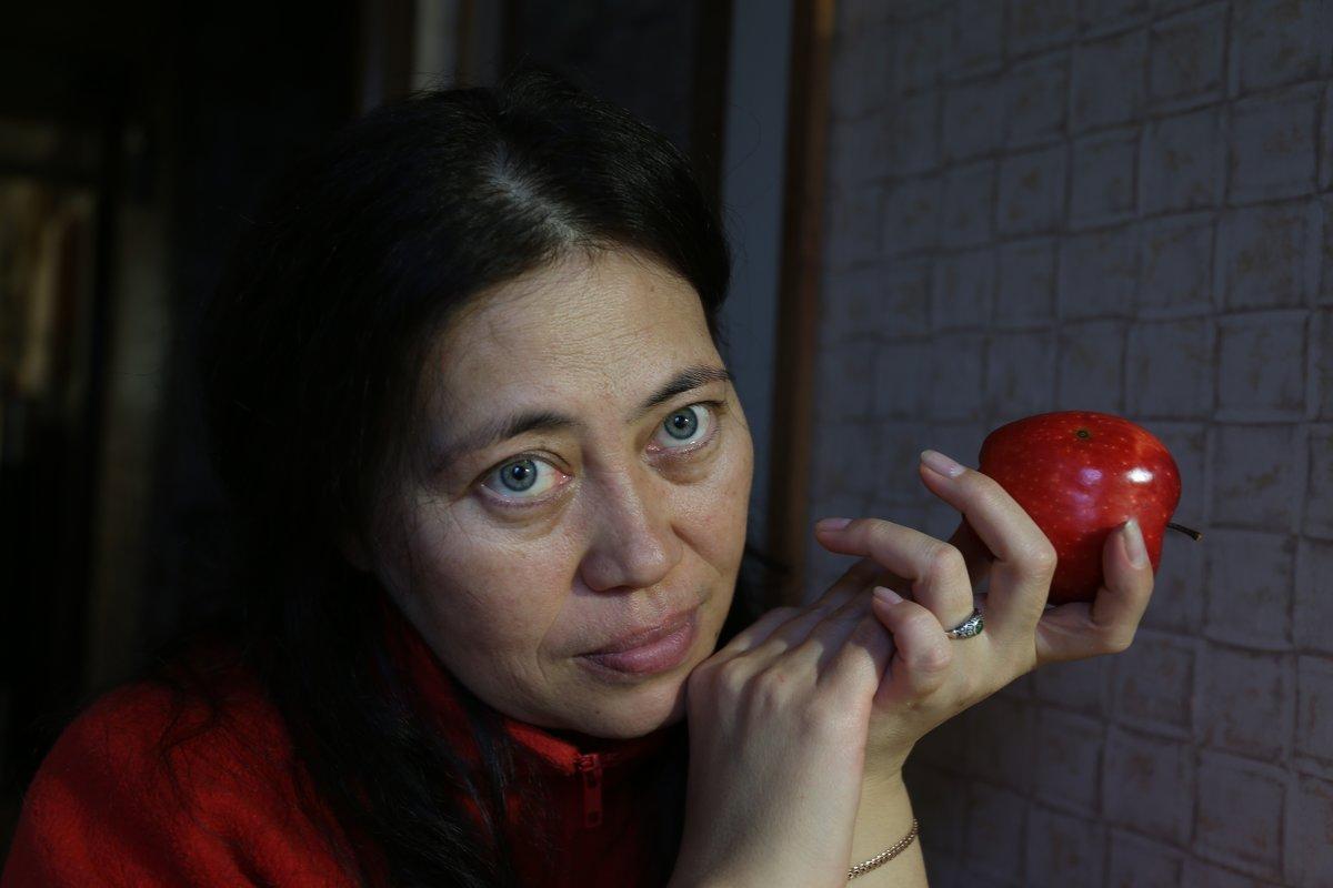яблочная дева 3 - Михаил Зобов