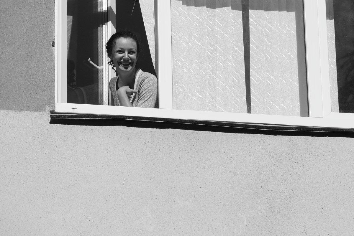 Эта девушка в окне. - Larisa Gavlovskaya