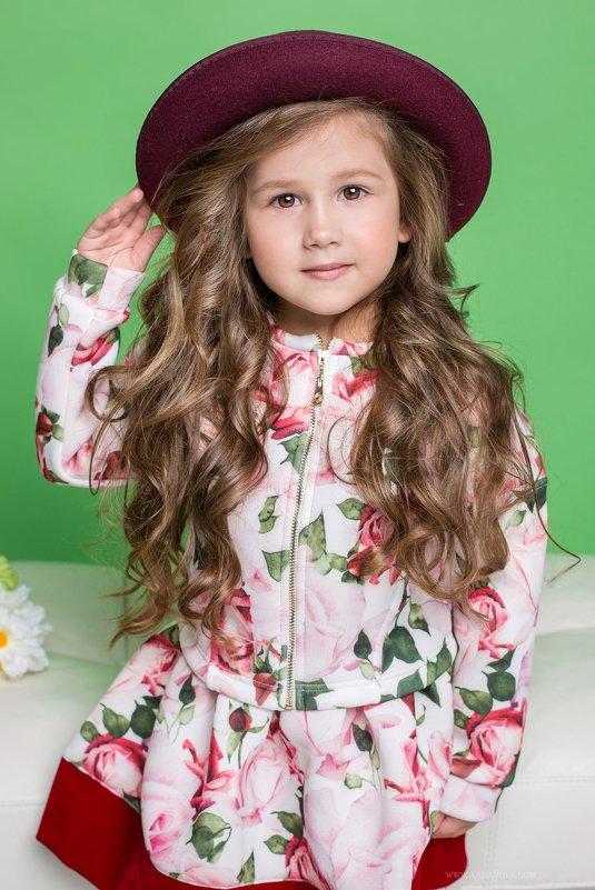 девочка в шляпке - Gloss Photostudio