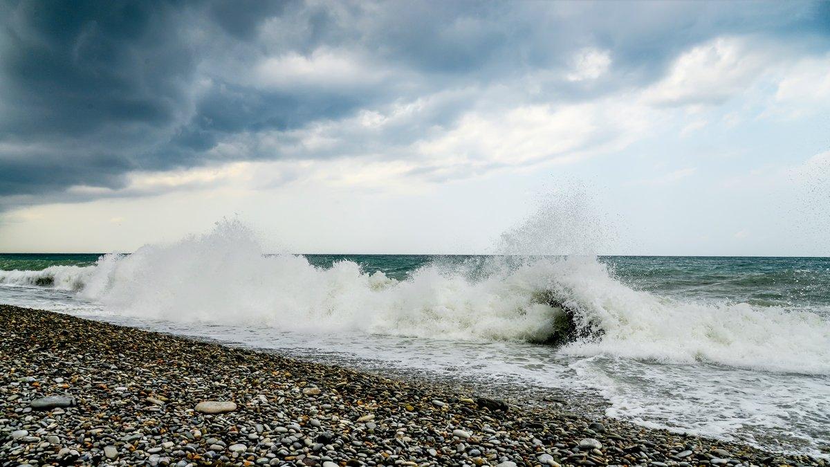 Перед штормом - Юрий Бичеров
