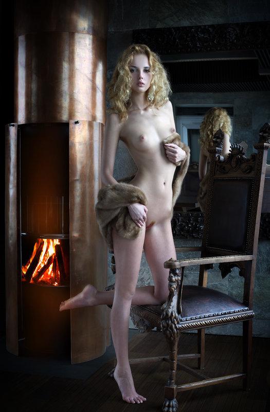 Горит огонь в камине пылкой страстью... - Lange