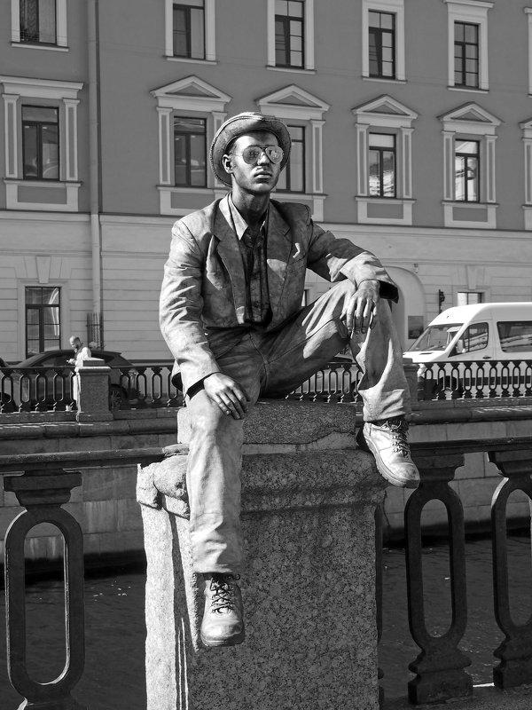 Живая статуя. - сергей лебедев