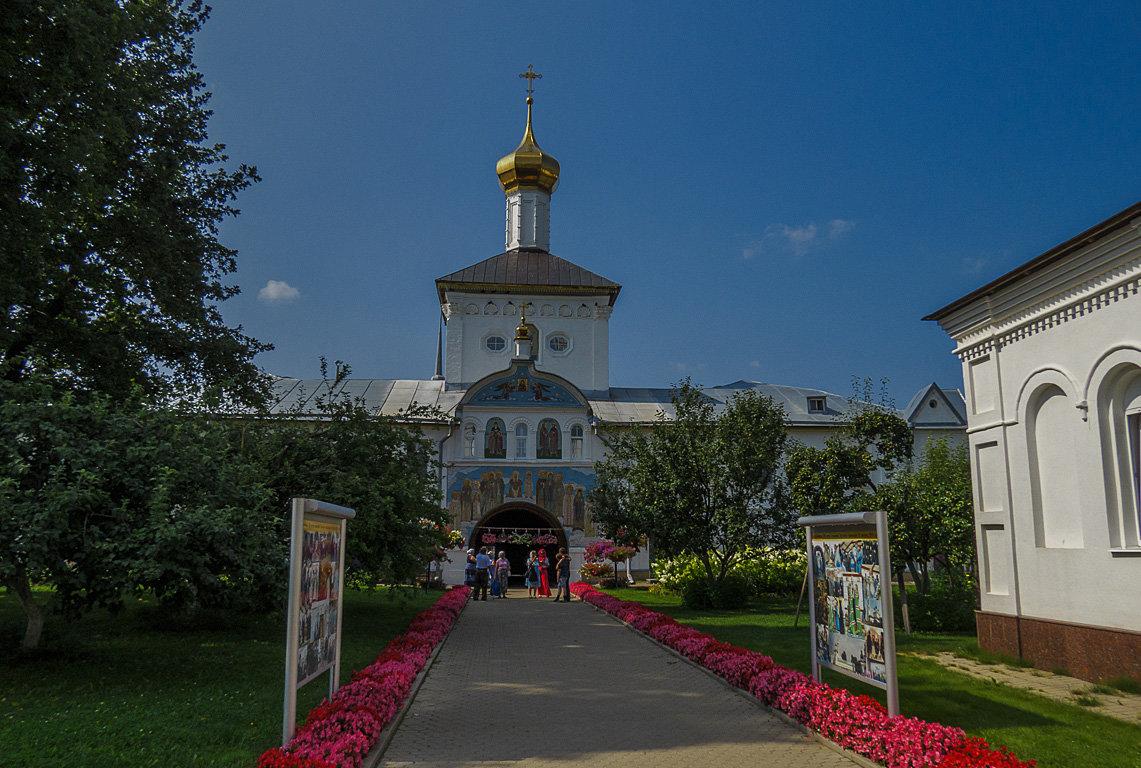 Надвратная церковь Толгского монастыря - Сергей Цветков