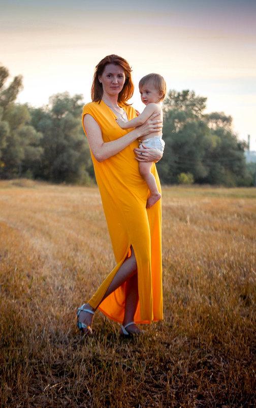 на поле - Лариса Тарасова