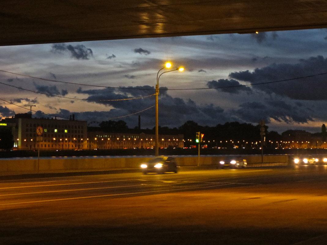 из -под моста Володарского - Елена