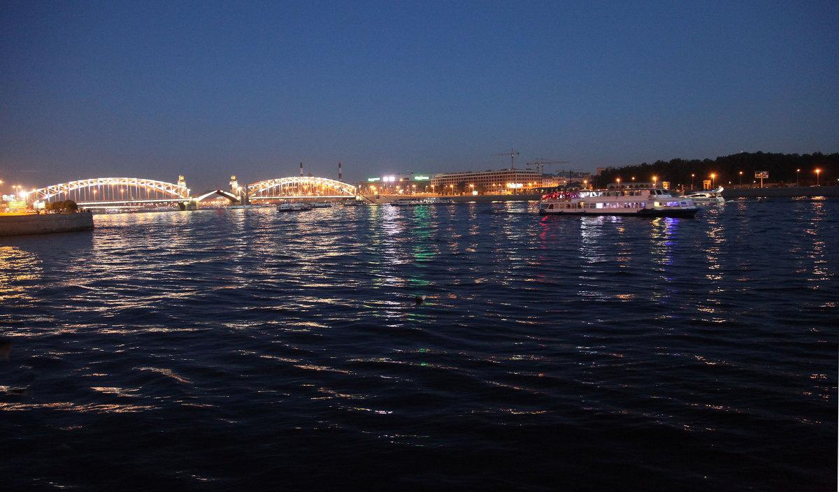 Белые ночи. Мост Петра Великого - Наталья