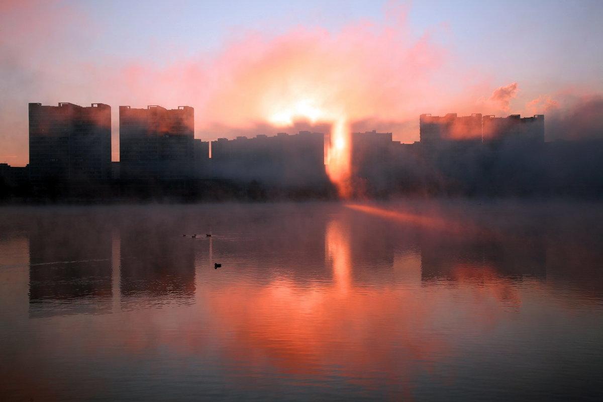 Рассвет на Москве-реке - Михаил Бибичков