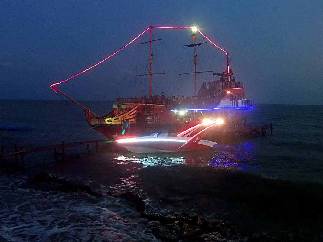 Вечерняя морская прогулка. - Наталья