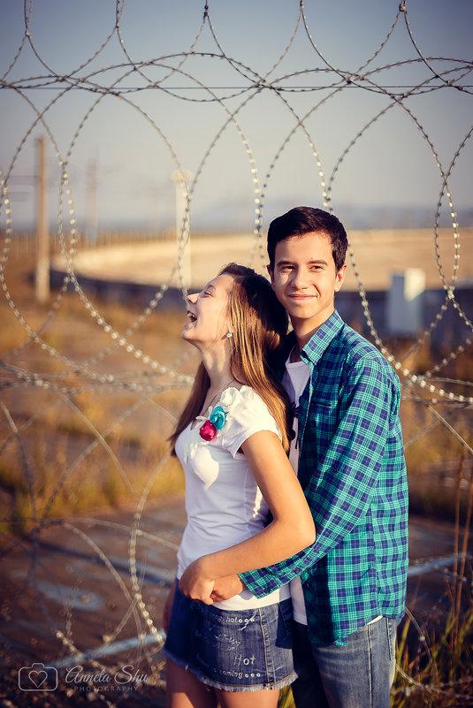 Он обожает как она смеётся))) - Аннета /Анна/ Шу