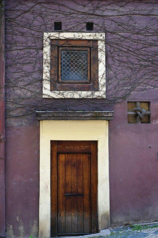 Дверь и окно - IURII