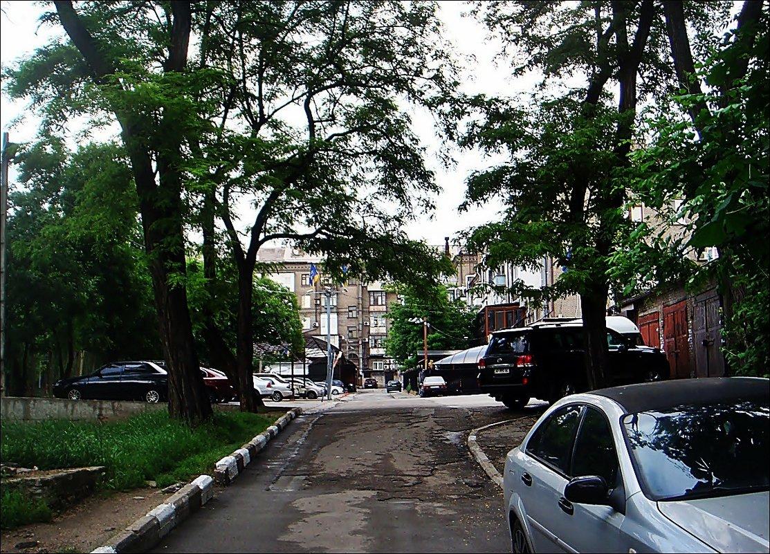 В этом дворе прошли мои детство, отрочество и юность... - Нина Корешкова