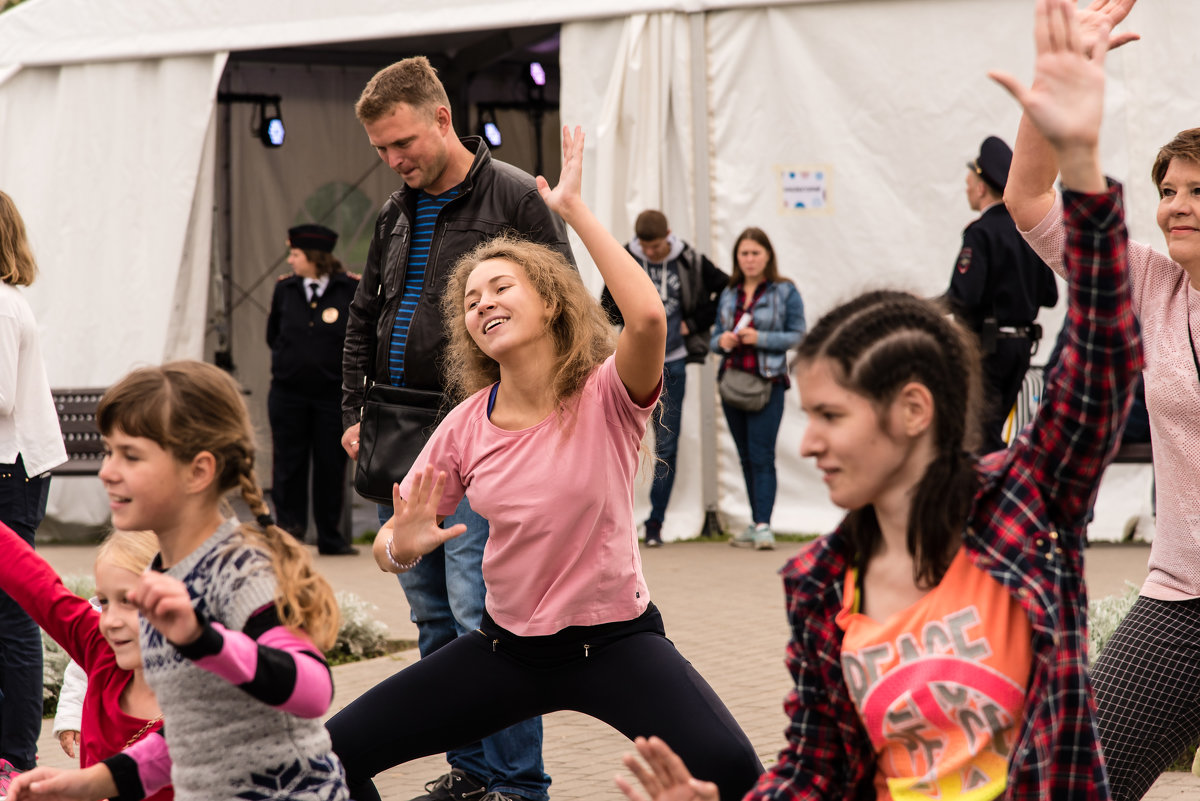 Урок танцев-2 - Владимир Безбородов