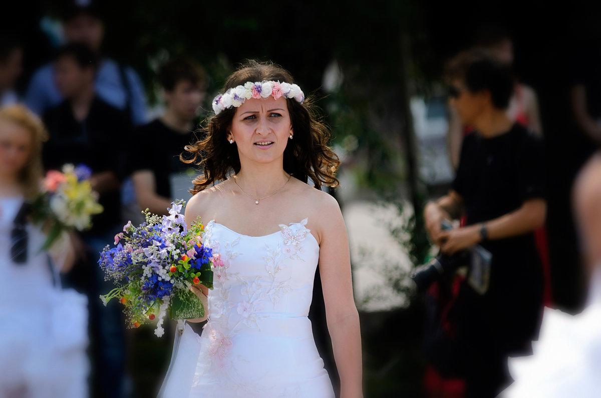 Невеста с букетом. - Виктор Иванович