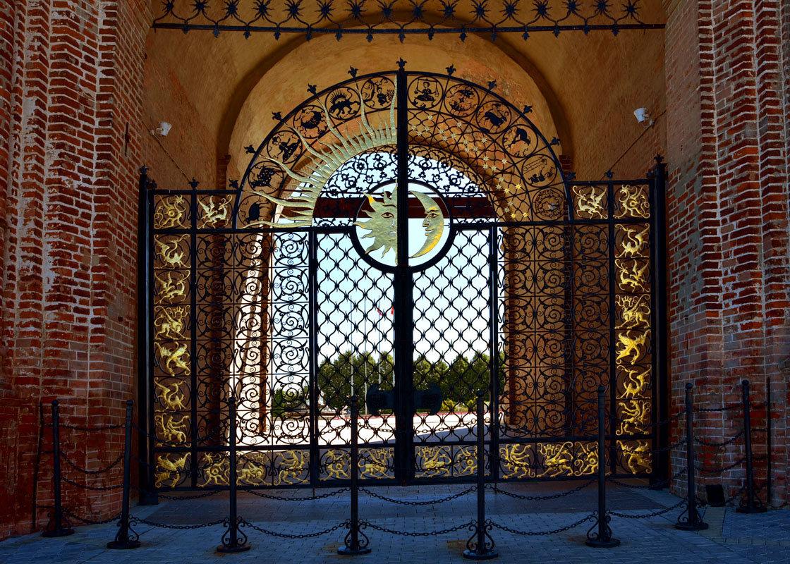 Ворота башни Сююмбике. - Наталья