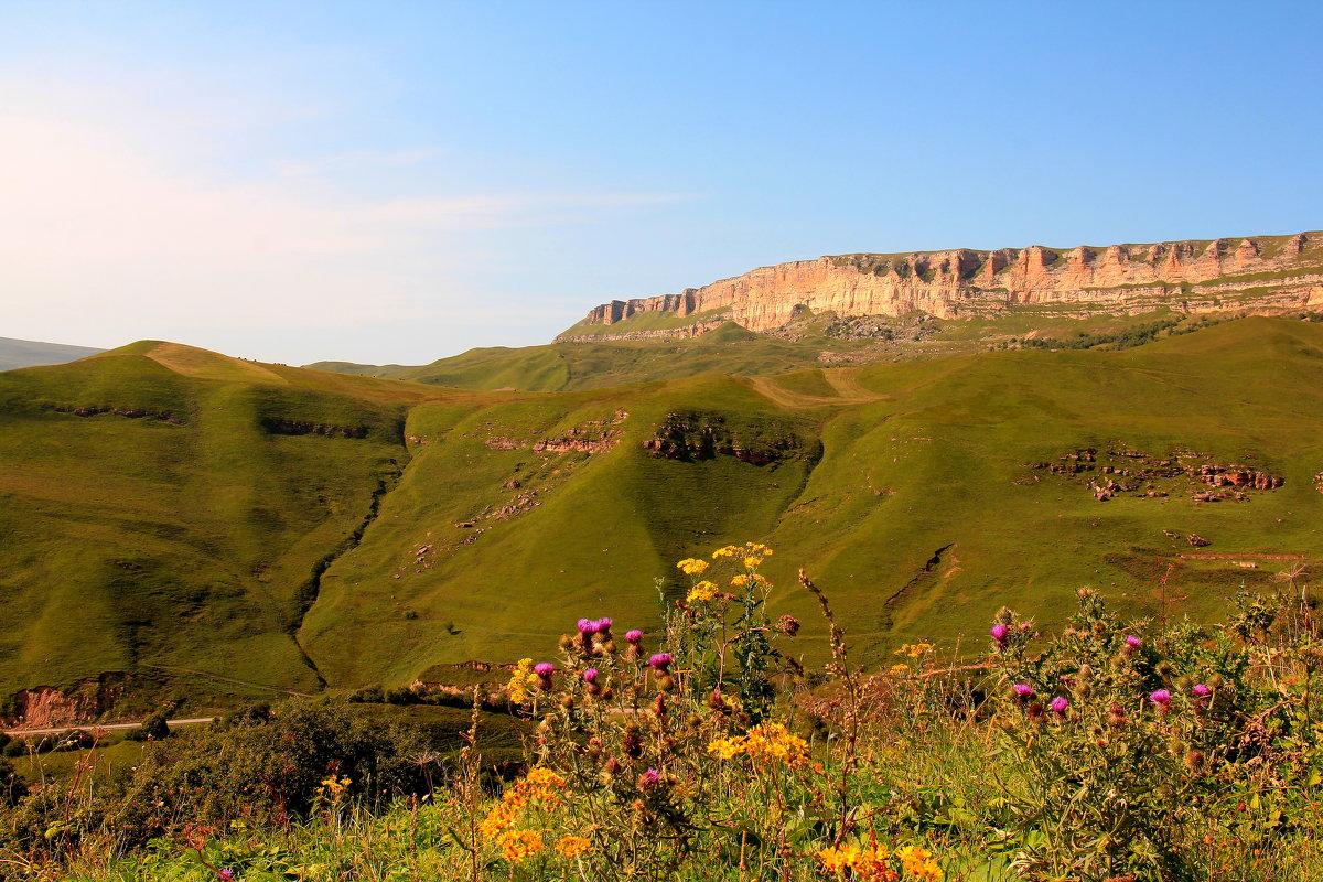 Скалистый хребет. Последние дни лета. Вид с перевала Гум-Баши - Vladimir 070549