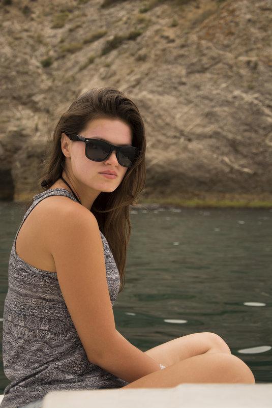 Прекрасная Александра на солнечном берегу крыма - Александр Швецов