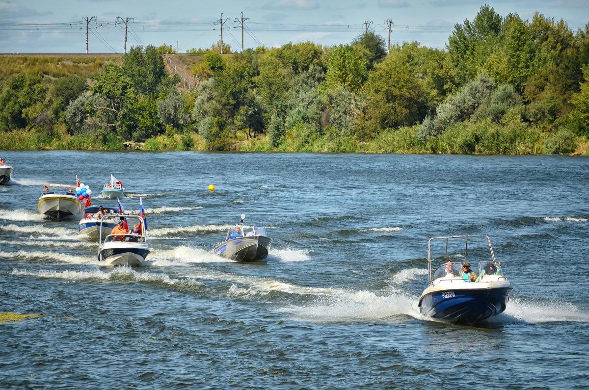 Парад моторных лодок - Marina Timoveewa