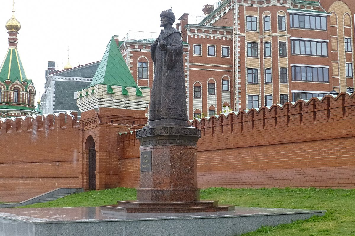 Памятник Фёдору Иоанновичу - Наиля