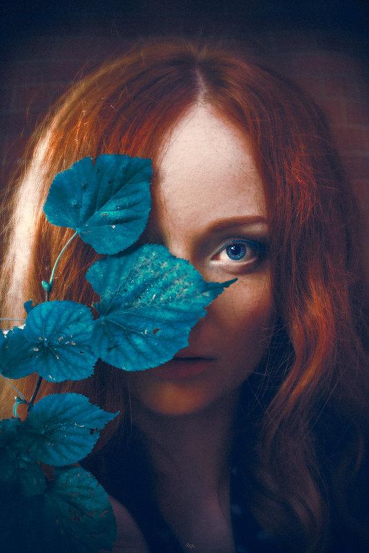 The Girl of Amber - Ruslan Bolgov