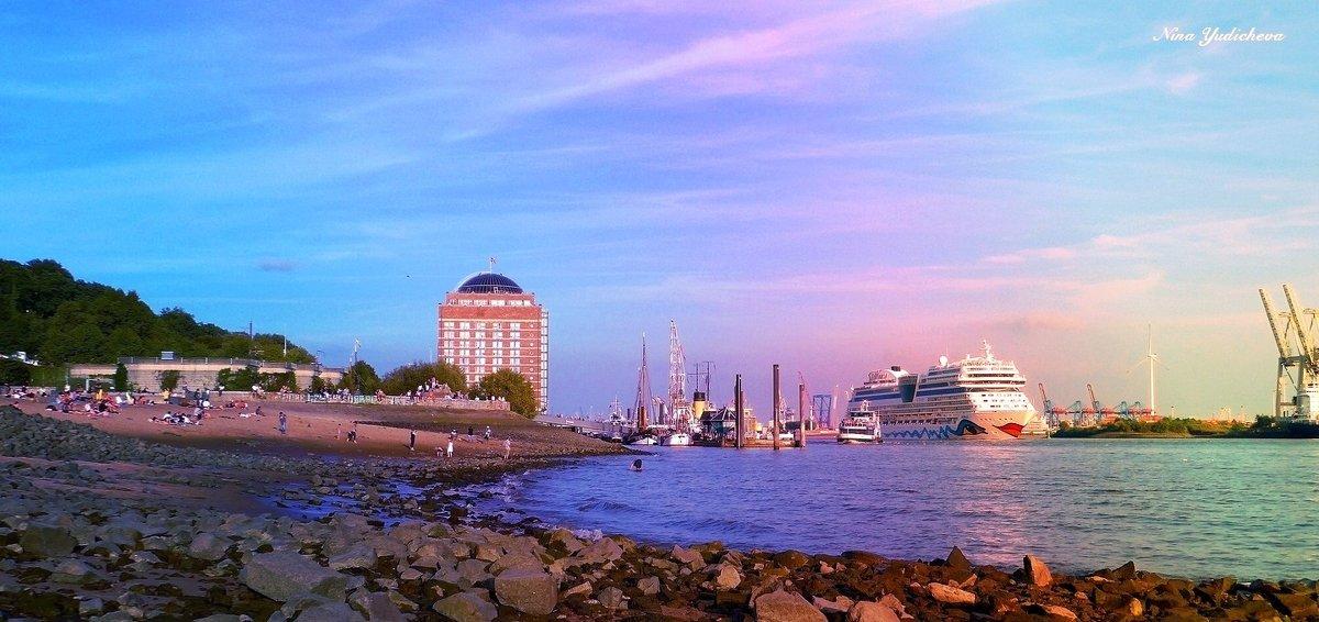 AIDA sol. Hamburg - Nina Yudicheva
