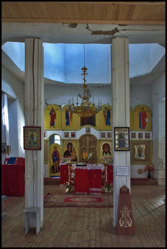 в сельском храме - Дмитрий Анцыферов