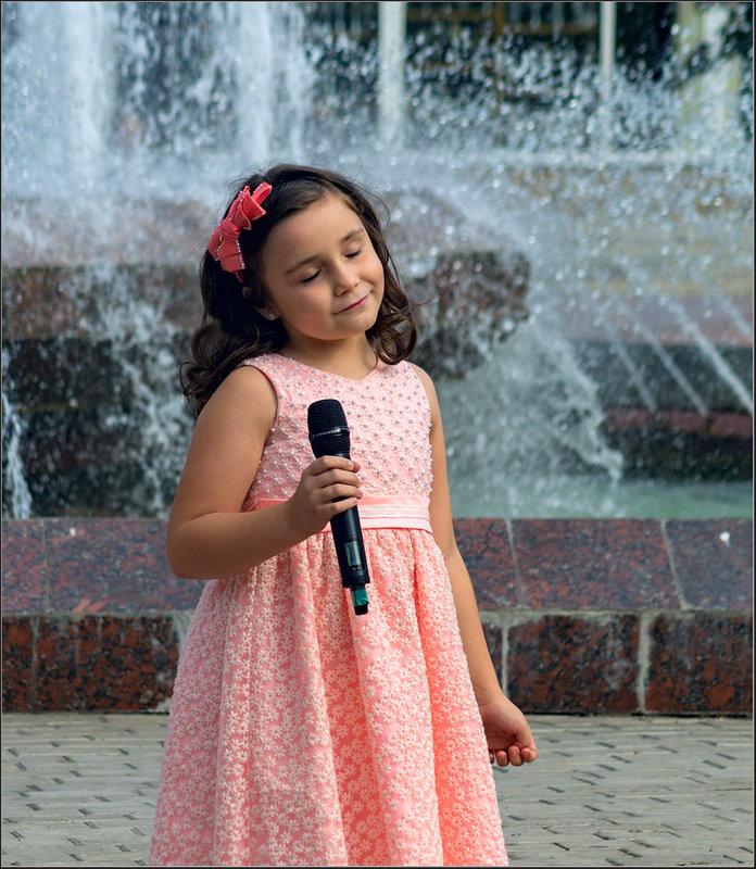 Детский голос на Дне города - Александр Лихачёв