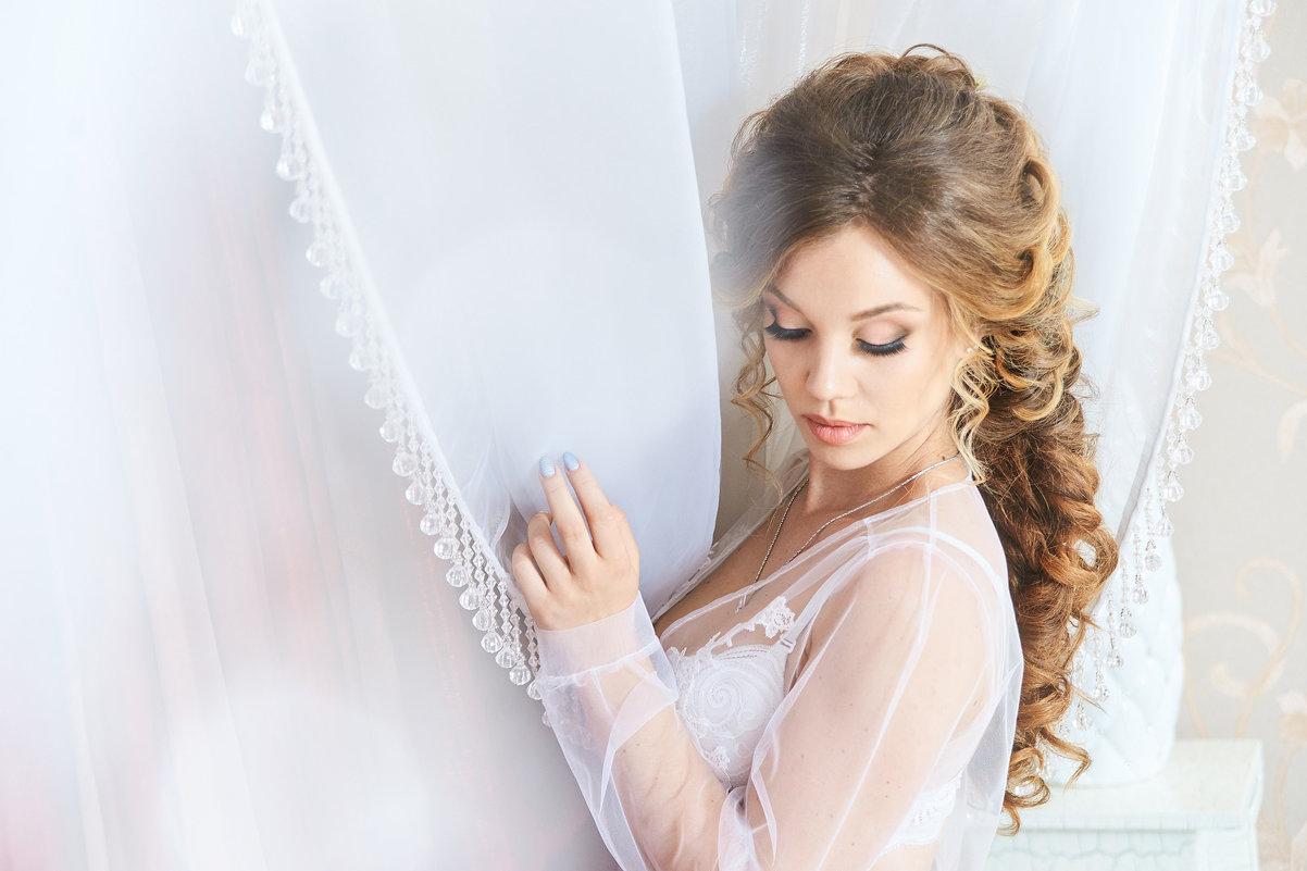 white boudoir - Максим Авксентьев