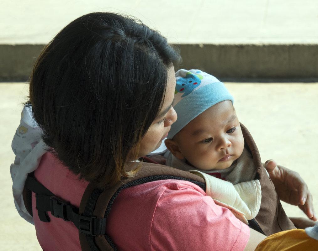 Таиланд. Чаченгсау. Мать и дитя - Владимир Шибинский