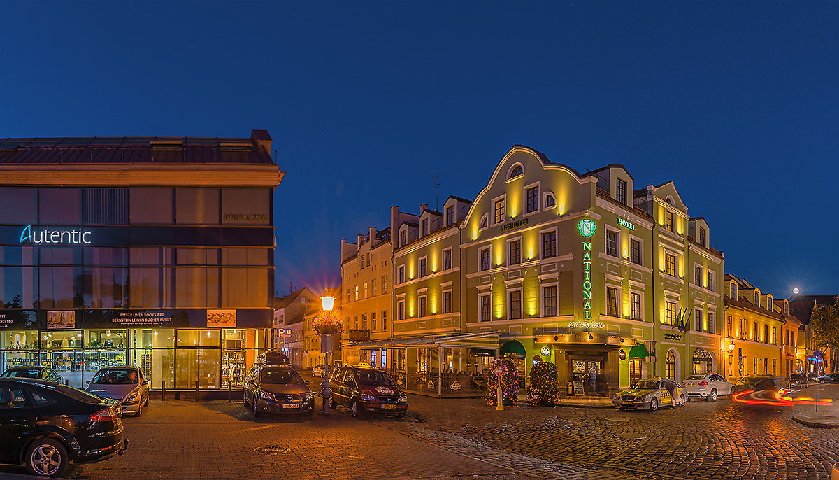 Уголок старого города - Леонид Соболев
