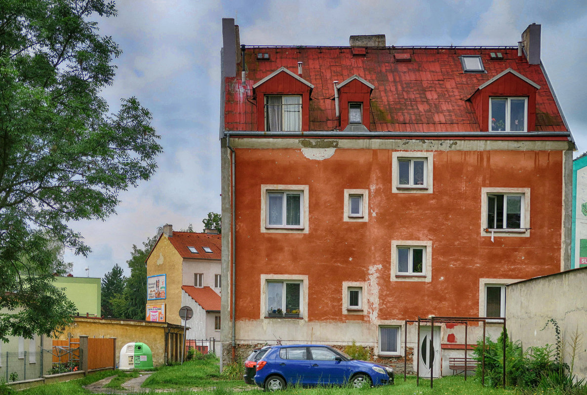 Дом на окраине - Евгений Кривошеев
