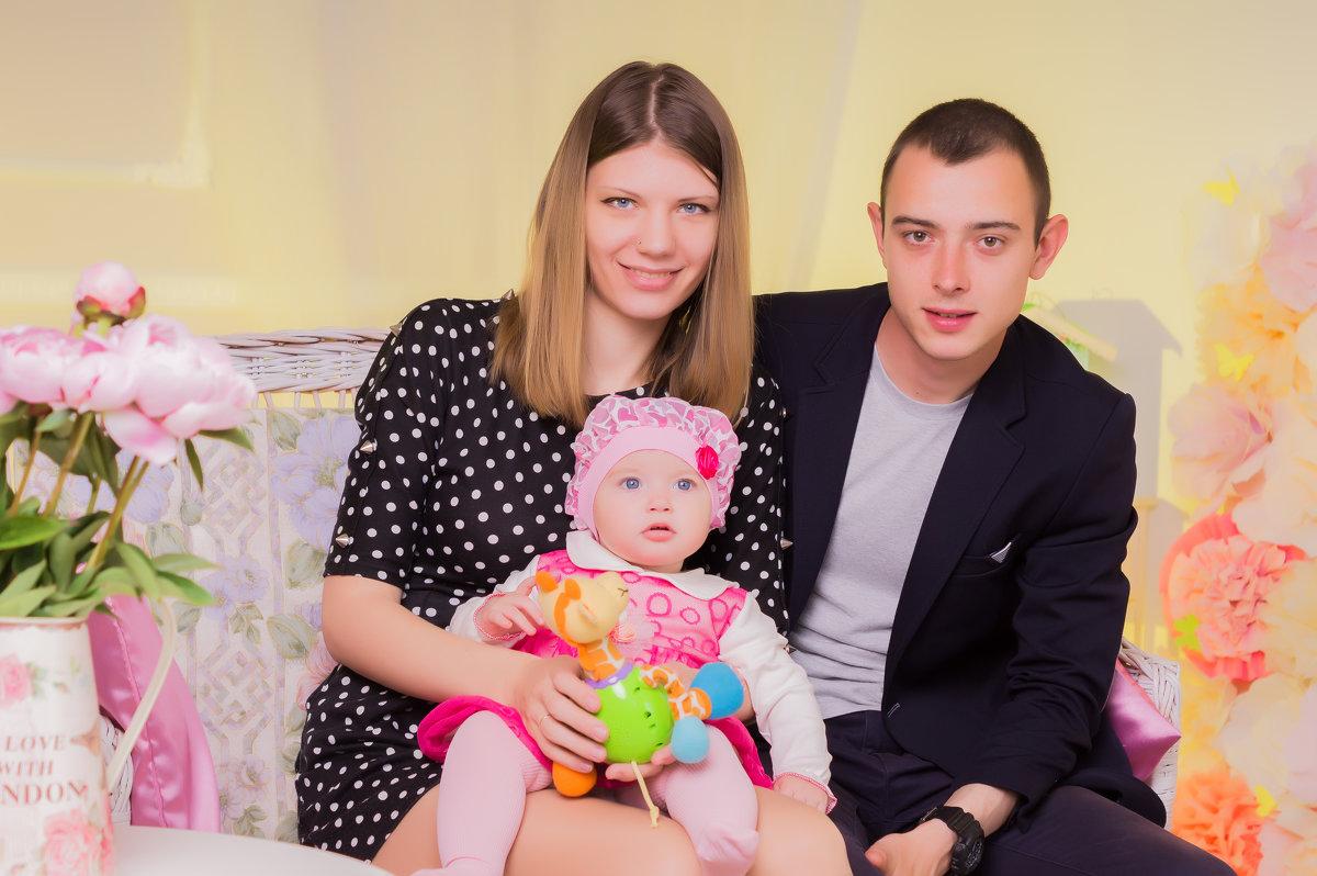 семейка - Владлена Удовченко