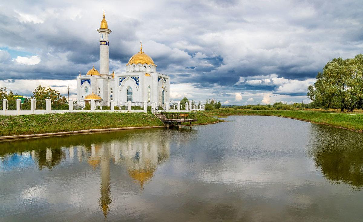 У мечети - Любовь Потеряхина