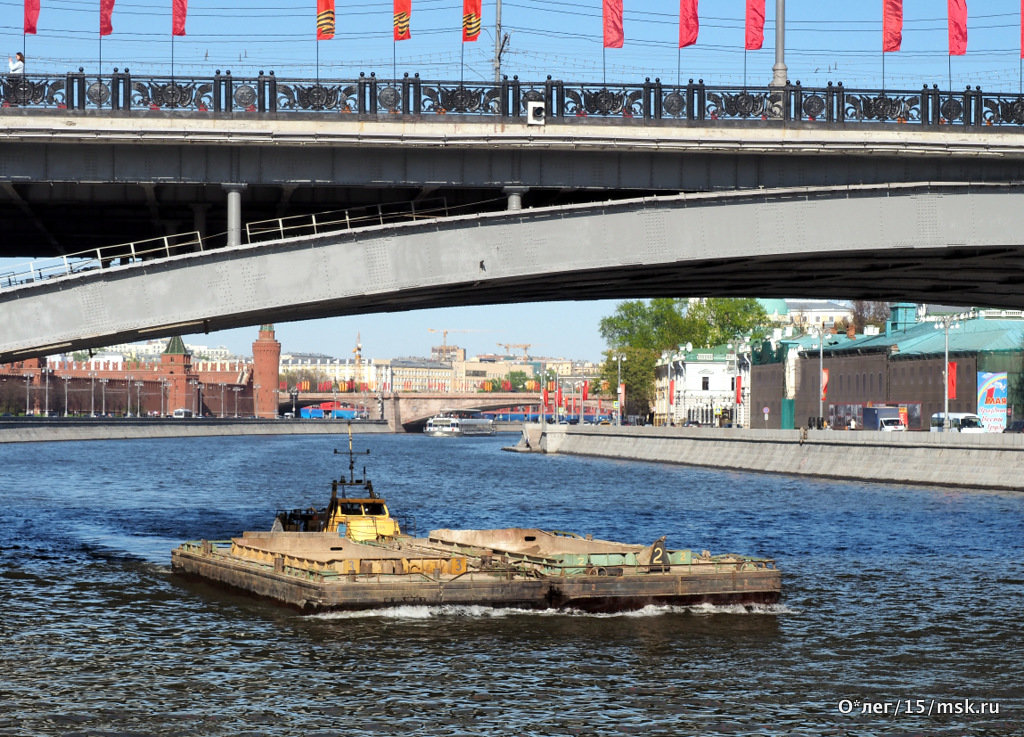 река работает и в праздники - Олег Лукьянов