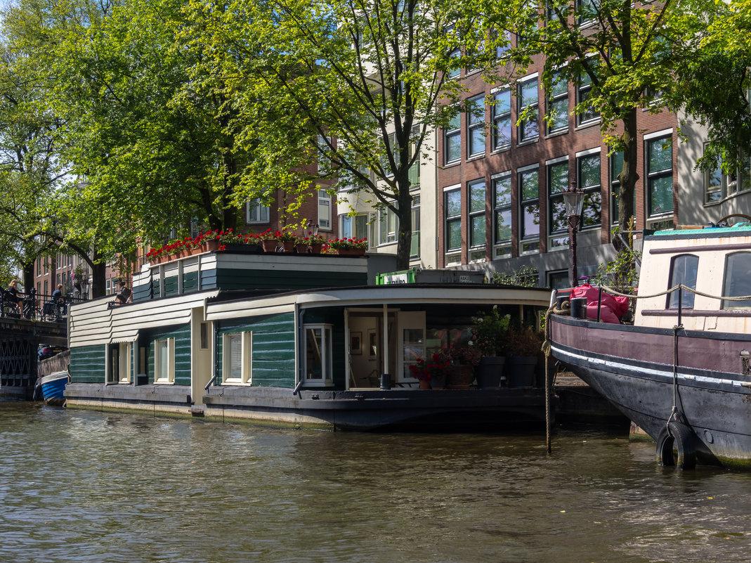 Жилой фонд на воде, Амстердам - Witalij Loewin